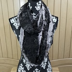 3/$15💥Staring At Stars Infinity scarf